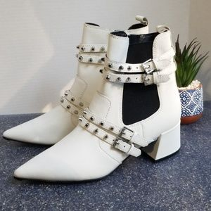 Kendall+Kylie| Rad Pointed Toe Booties